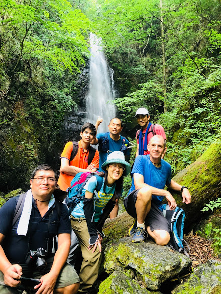Group photo at Hyakuyaku waterfall