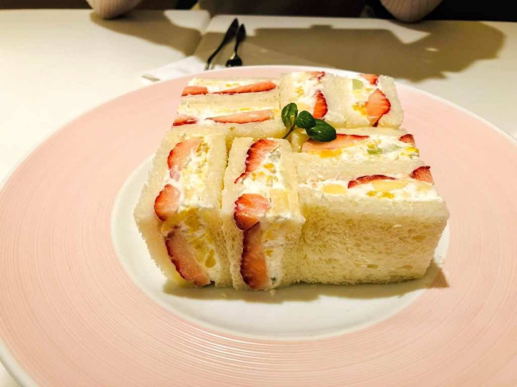 Strawberry fruit sandwich 900 Yen (excluding tax)