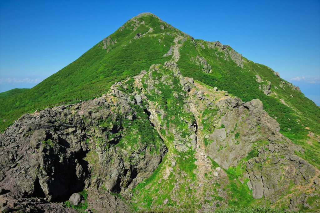 Mt. Iwaki form 9th station. Climb up a steep slope and head to the summit.