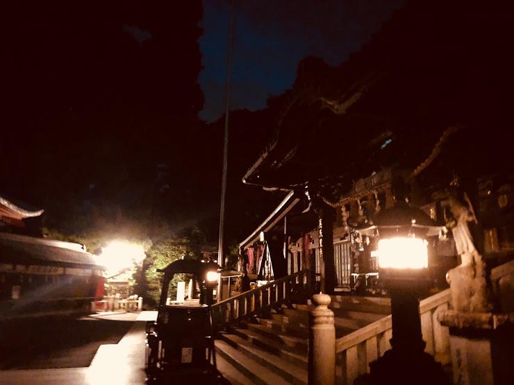 Yakuo-in at night
