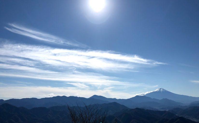 百蔵山 | 絶景の富士山と不思議な鉱泉、渓谷美に映える奇妙な橋が楽しいコース